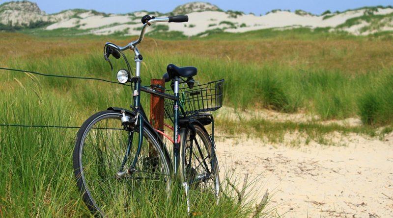 fiets in de duinen