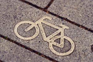 fietsen hulp oversteken