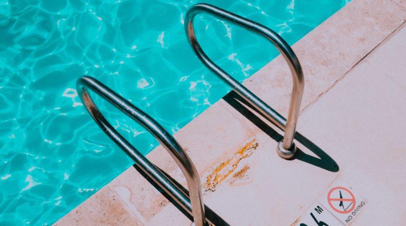 Zwembadtrapjes & knieartrose
